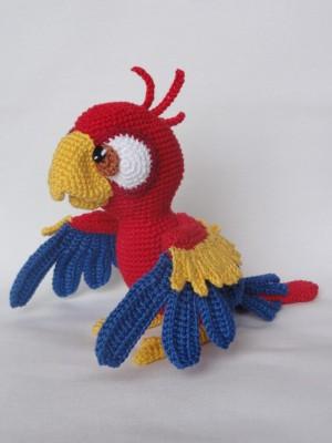Amigurumi Parrot Pattern : Chili the Parrot Amigurumi Pattern