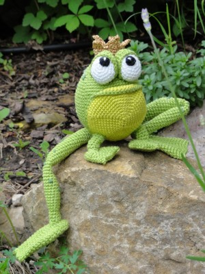 Free Frog Knitting Pattern : Henri the Frog