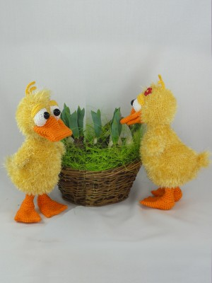 Cute crochet for Easter - little amigurumi duck - FREE PATTERN ... | 400x300