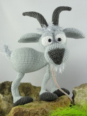 Crochet Goat Pattern- a Free Pattern and Tutorial | Crochet ... | 400x300