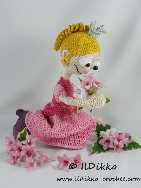 Amigurumi Free Patterns Disney : Princess Rosaline Amigurumi Crochet Pattern IlDikko