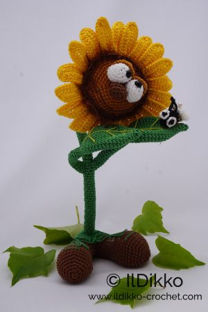 How to Crochet: Happy Sunflower Head Piece Rows 9 & 10 Amigurumi ... | 449x300