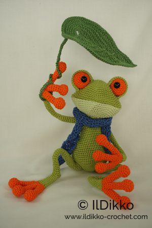 Amigurumi Anna Princess Pattern – Green Frog | 449x300